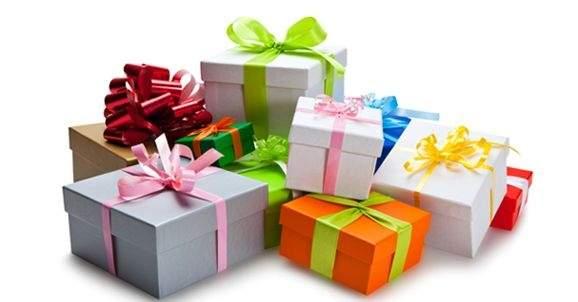 Weihnachtsgeschenke, mit denen Sie das falsche Lächeln üben
