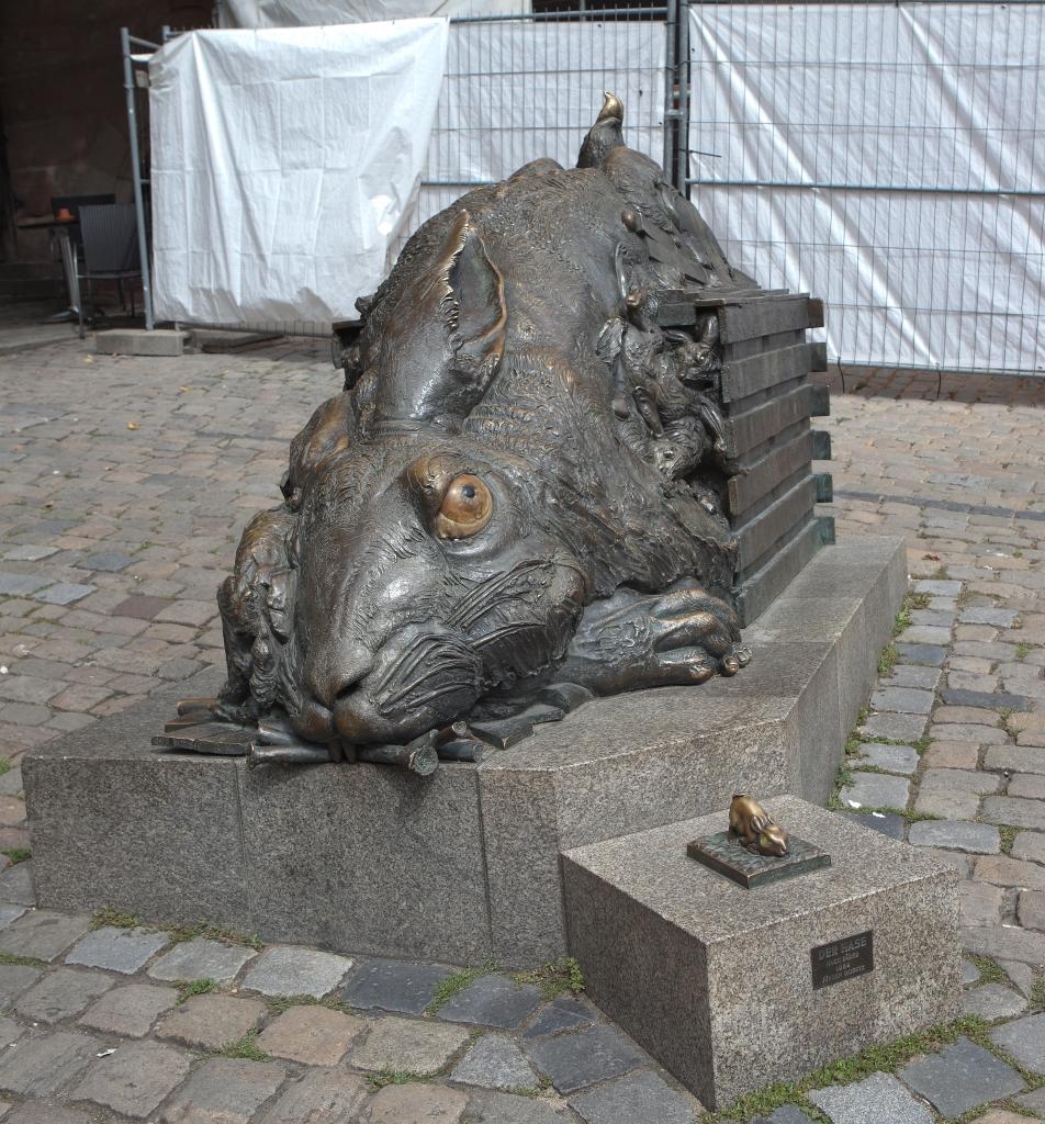 Skulpturen in Nürnberg als Rätsel zum Nachdenken