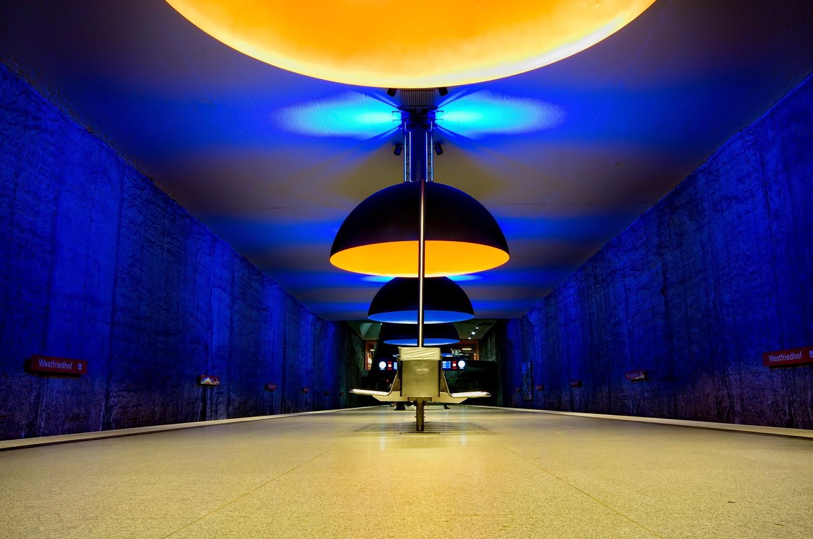 Die farbigen Leuchten des Designers Ingo Maurer schmücken die Haltestelle Westfriedhof