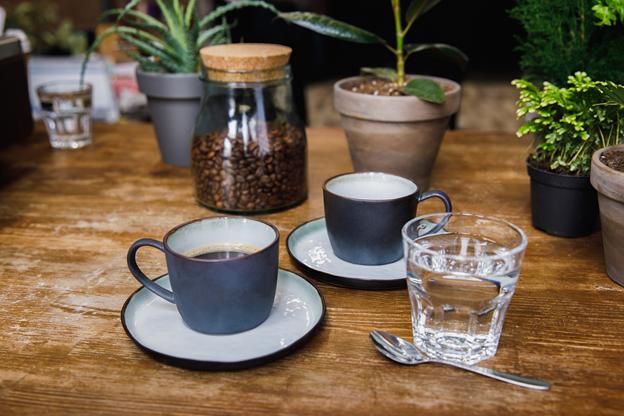 Kleine Cafés sind ein wichtiger Bestandteil des Viertels