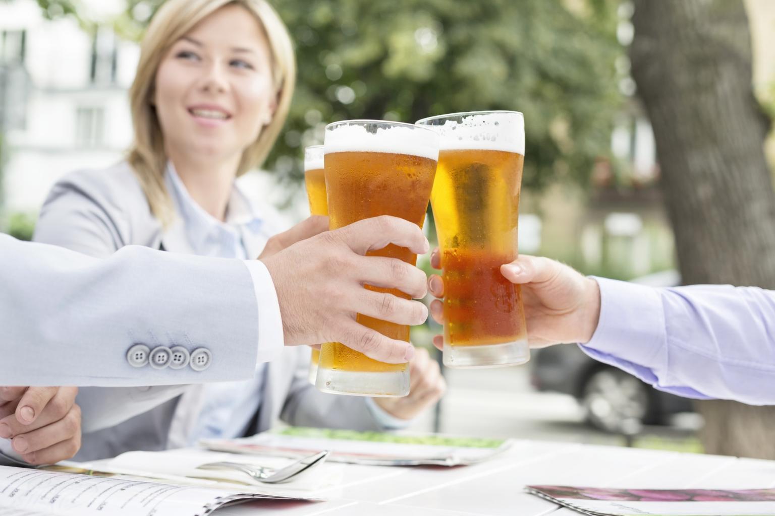 Trink ein kühles Bier nach den Escape Games