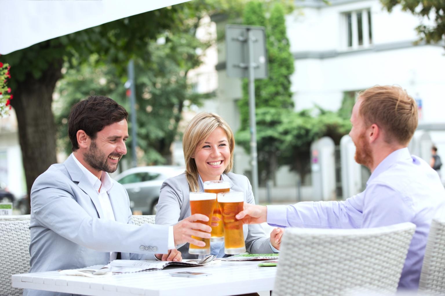 Gemeinsam ein gutes Bier nach dem Escape Room