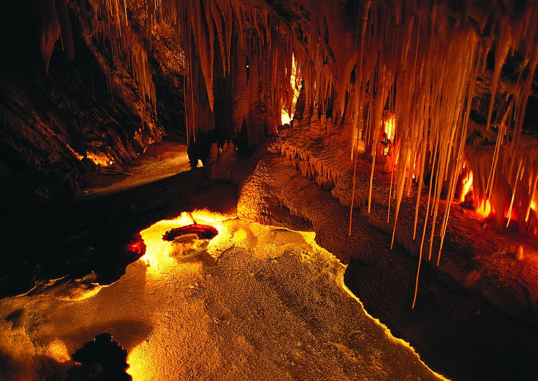 Die Tropfsteinhöhle bei Pottenstein fasziniert immer wieder aufs neue – und bietet eine angenehme Abkühlung von den heißen Sommerprogrammen.