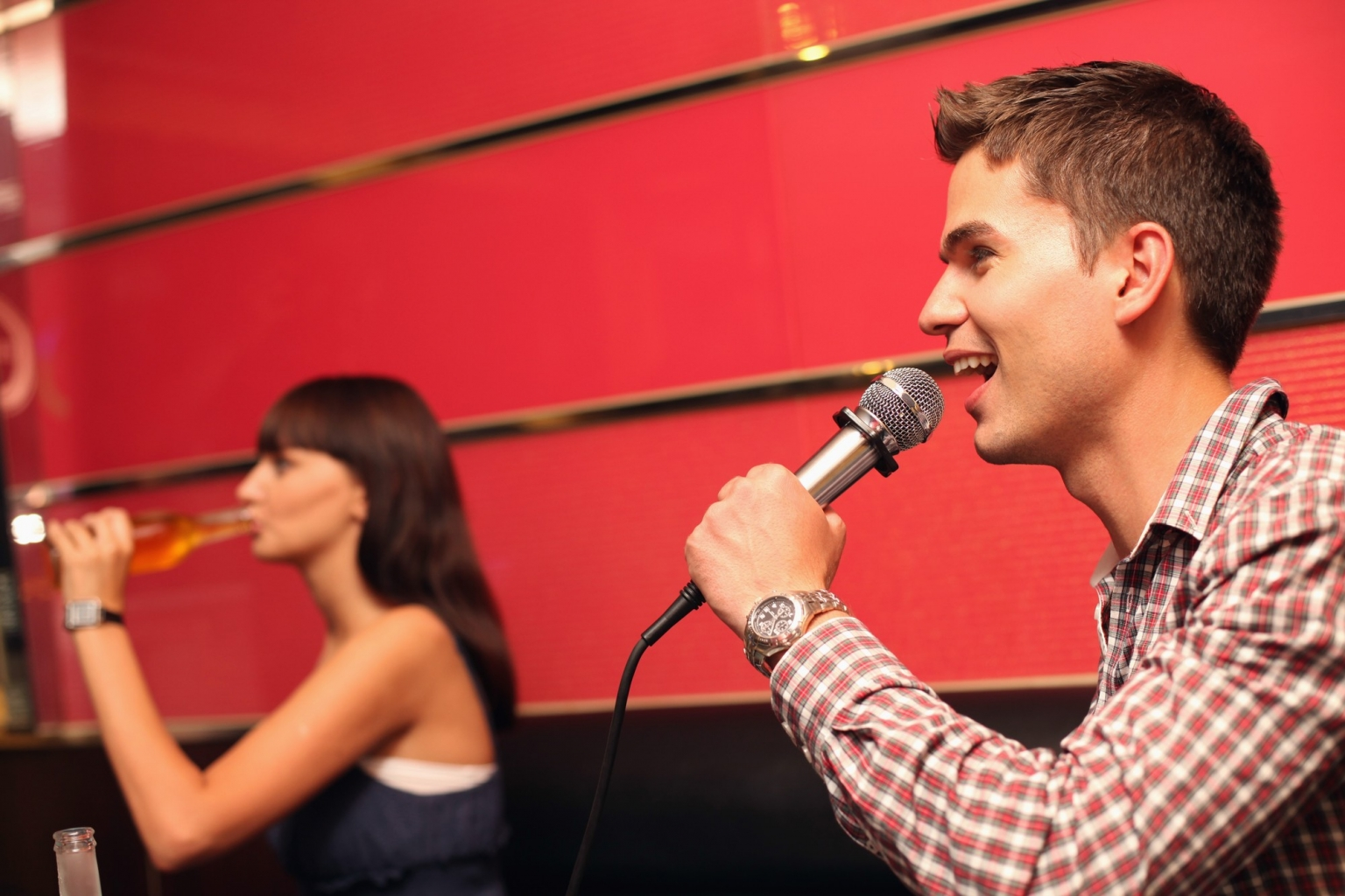 Coole Teambuilding Events in der Karaoke Bar