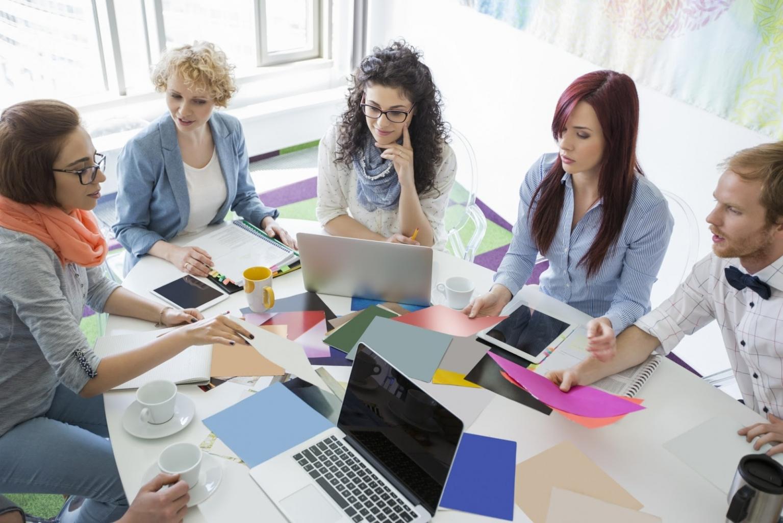 Gemeinsam den Arbeitsplan gestalten bietet wertvolles Teambuilding.