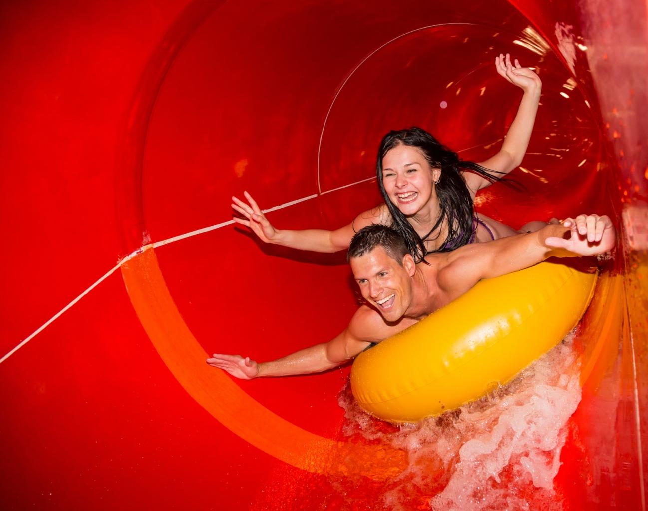 Ein beliebtes Freizeitprogramm in München sind die Wasserrutschen im Galaxy Erding